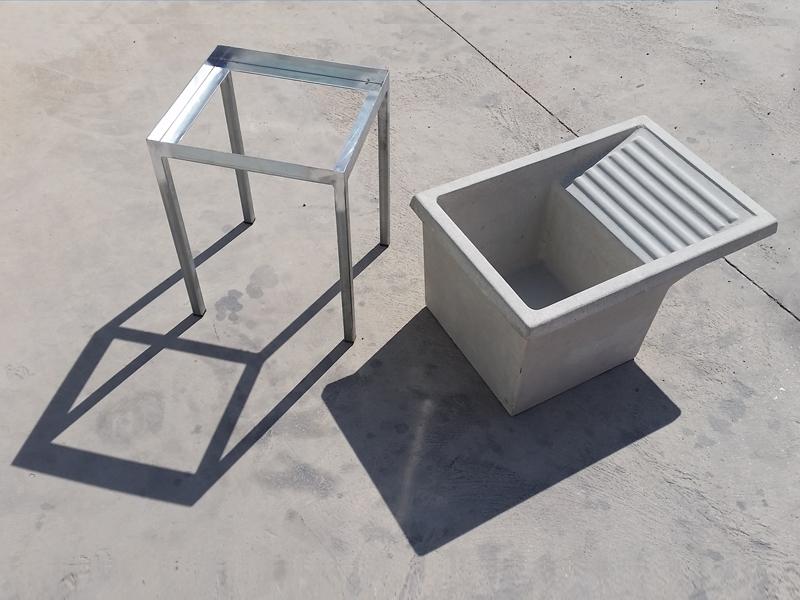 Soporte metálico para lavadero de cemento
