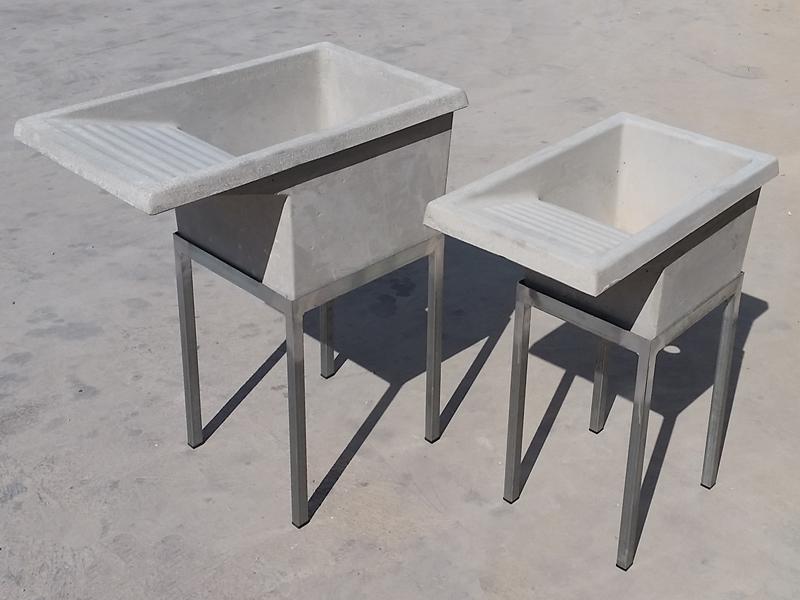 Lavaderos de cemento con patas